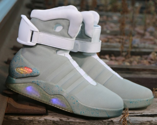 nike-mag-back-to-the-future-costume-3