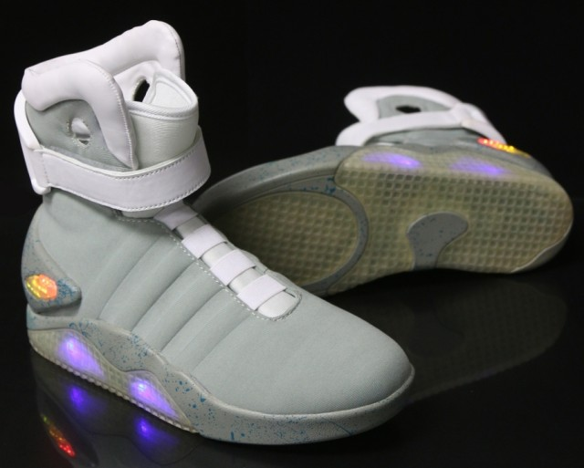 nike-mag-back-to-the-future-costume-4