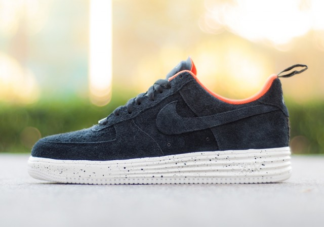nike-lunar-force-1-undefeated-low-holiday-2014-3