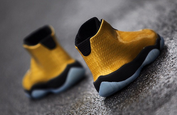 nike-air-jordan-future-patent-yellow-3