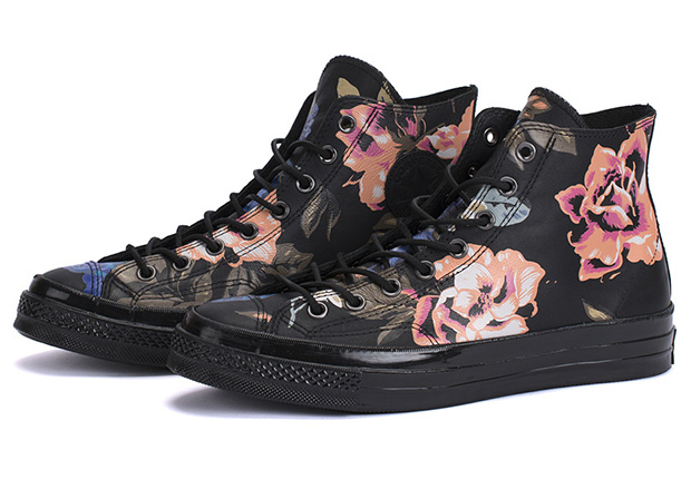 converse-first-string-chuck-taylor-70-black-roses-1