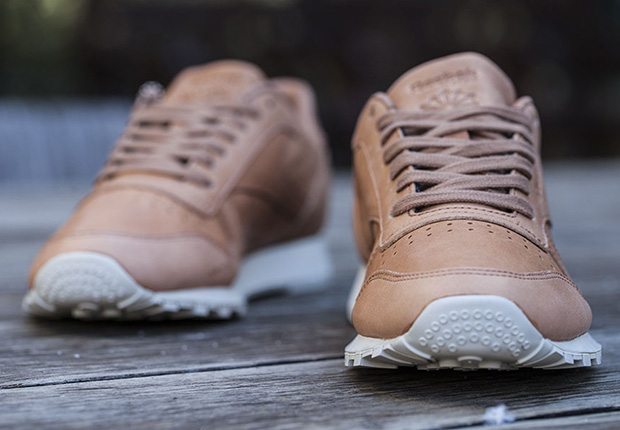 reebok-classic-leather-horween-natural-2