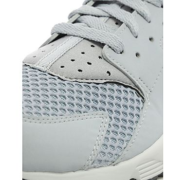 nike-air-hurarache-wolf-grey-pure-platinum-4