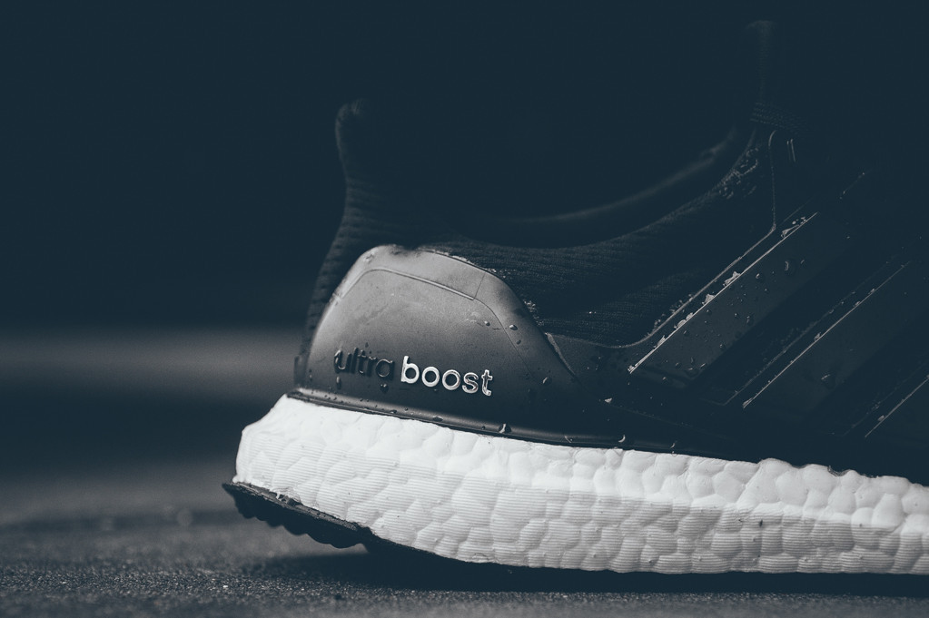 adidas-ultra-boost-black-white-3