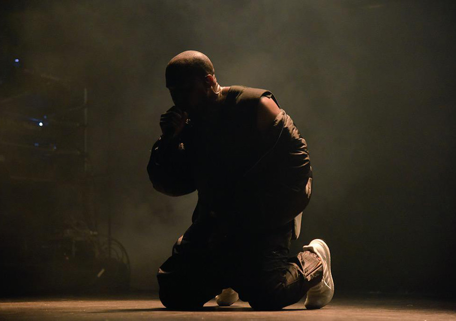 kanye-performs-in-adidas-ultra-boost-3