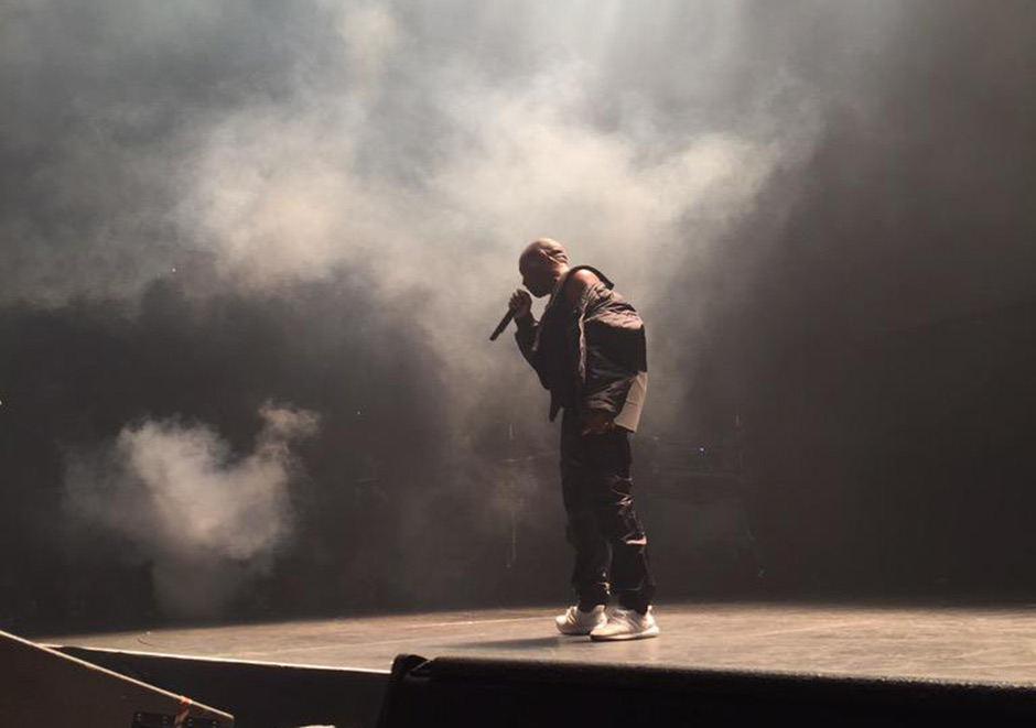 kanye-performs-in-adidas-ultra-boost-5