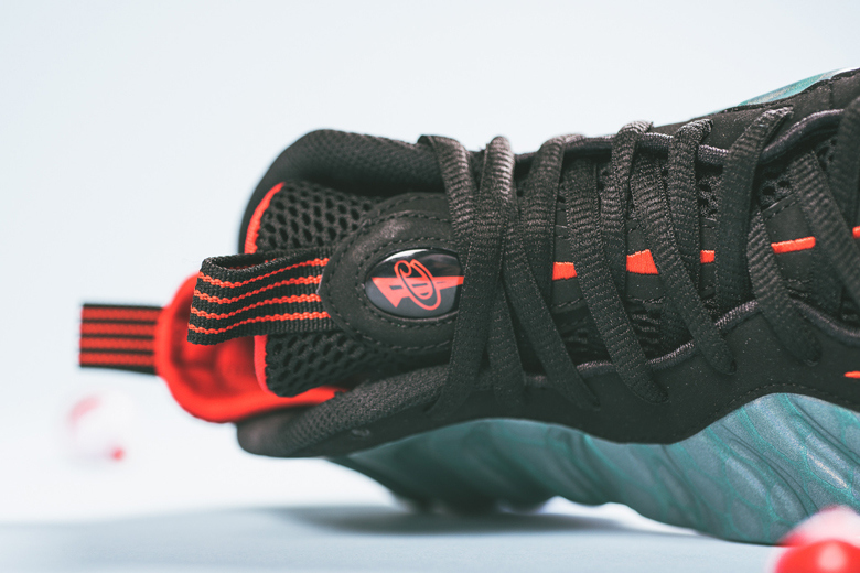 a-closer-look-at-the-nike-air-foamposite-one-gone-fishing-3