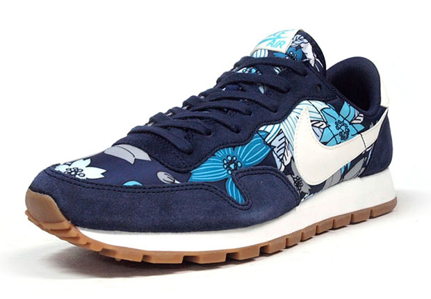 nike-air-pegasus-83-aloha-navy-white-2