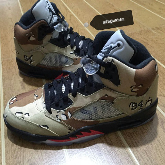 nike-supreme-air-jordan-5-desert-camo-red-midsole-2
