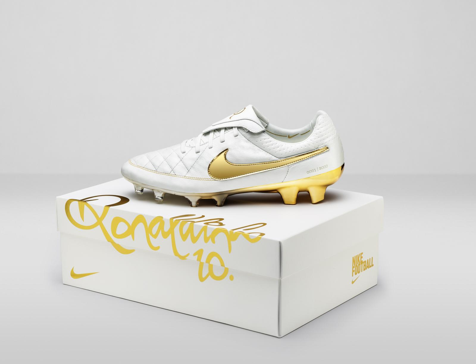 Nike Football Tiempo 'Touch Of Gold'