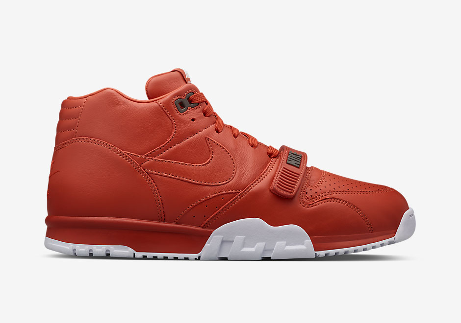 nike-fragment-air-trainer-1-release-1