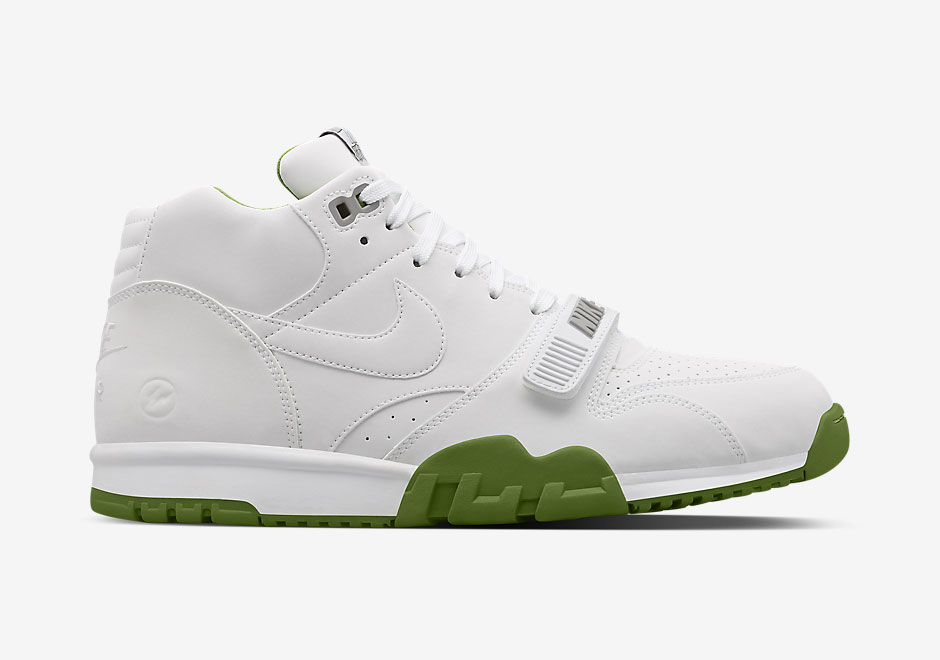 nike-fragment-air-trainer-1-release-3