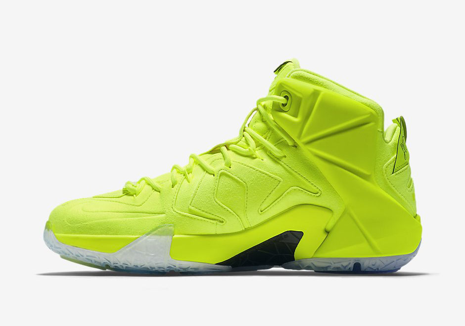 nike-lebron-12-tennis-ball-3