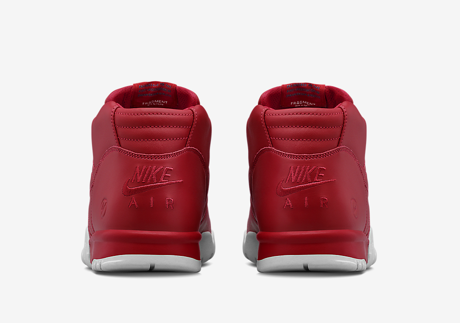 nikelab-fragment-air-trainer-1-black-red-10