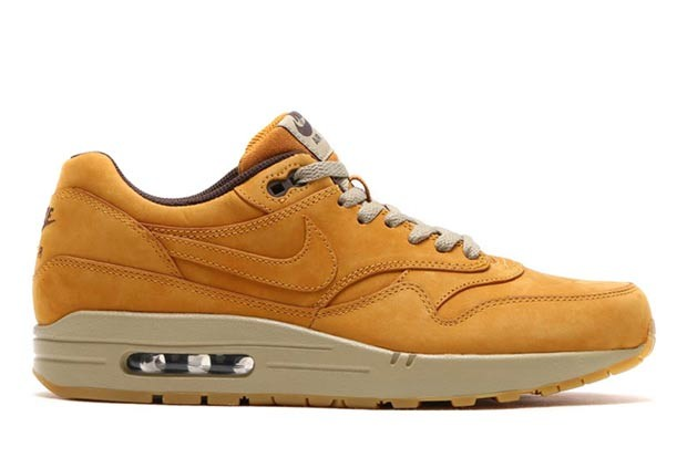nike-sportswear-wheat-pack-2