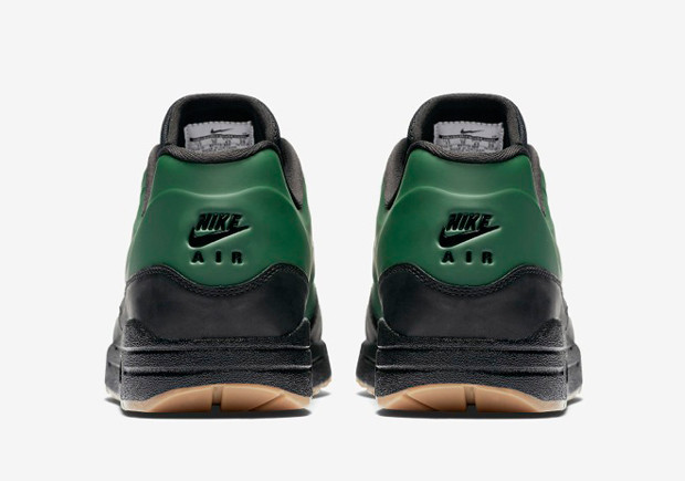 nike-air-max-1-vt-ducks-05-620x435