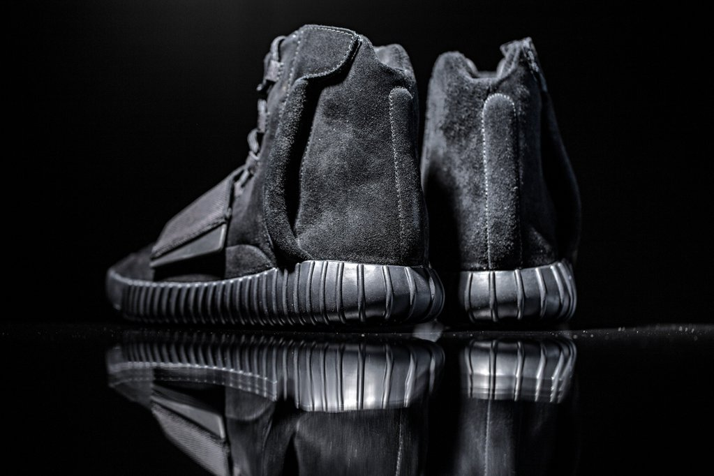 adidas-originals-triple-black-yeezy-boost-750-6