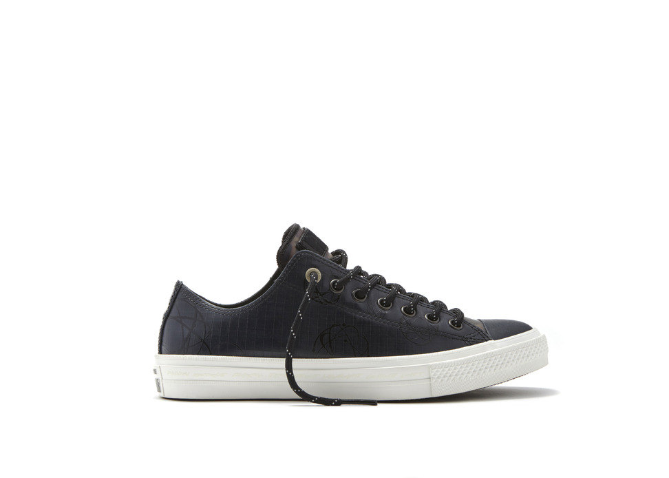 Converse_Chuck_Taylor_All_Star_II_Futura_-_Low_Top_Right_detail