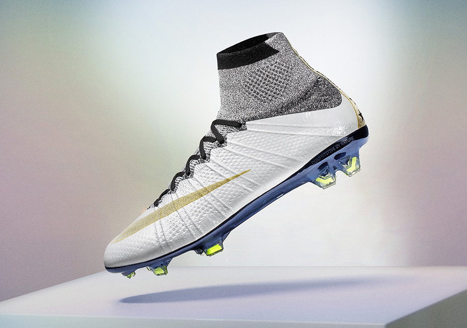 nike-carli-lloyd-mercurial-superfly-1