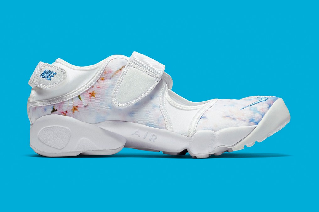 nike-air-rift-cherry-blossom-1