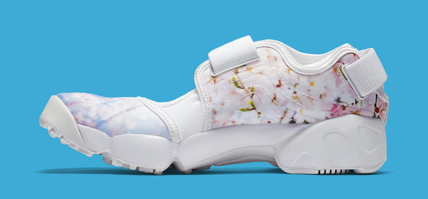 nike-air-rift-cherry-blossom-3