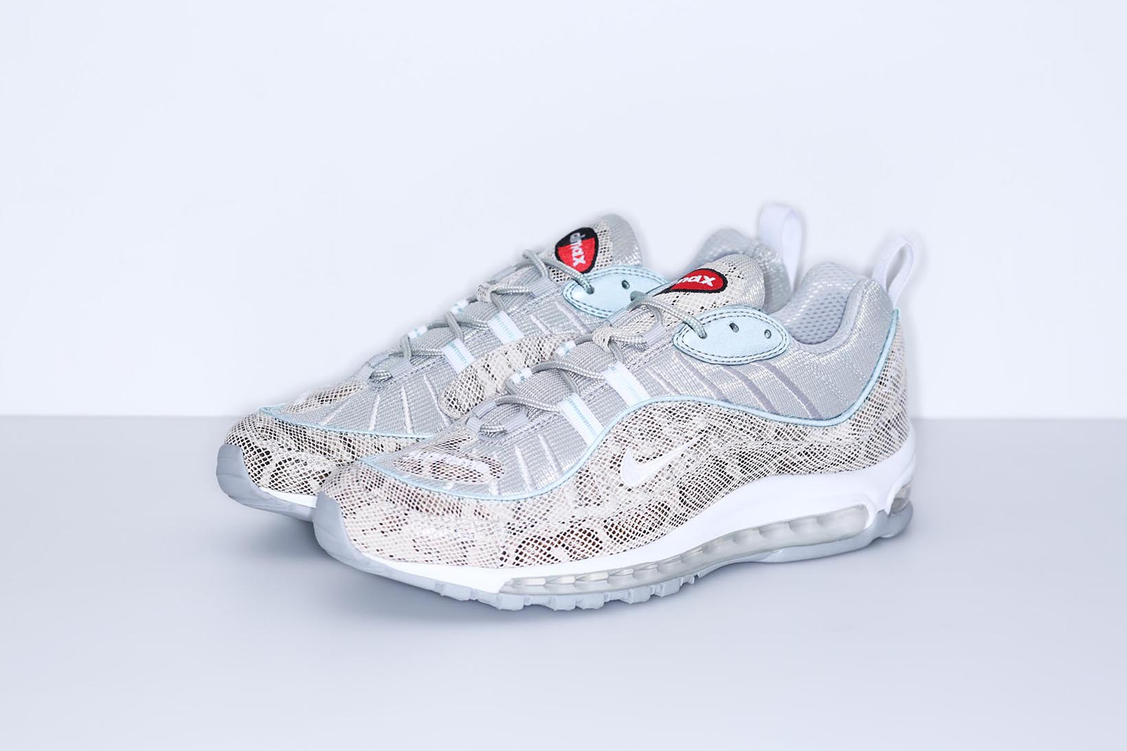 2655e0fe87 NikeLab X Supreme Air Max 98 - Data De Lançamento - SneakersBR