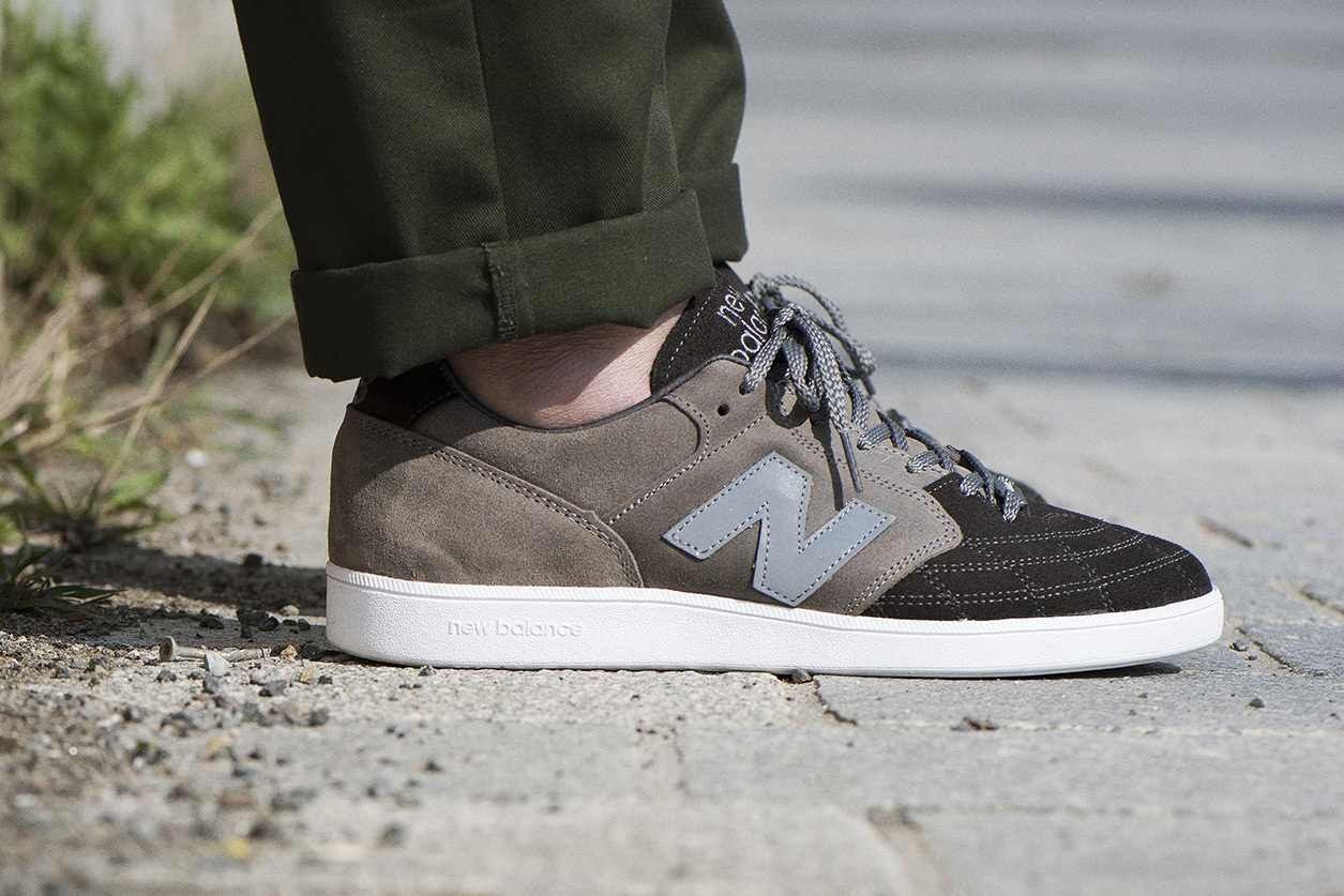 new-balance-epic-tr-hanon-24-kilates-sneakersnstuff-firmament-4