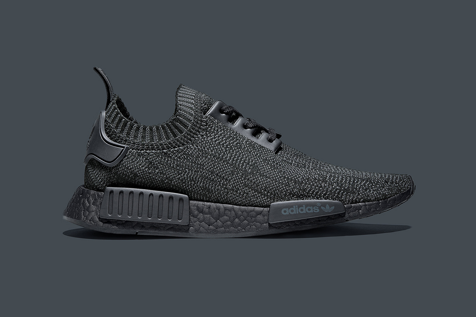 adidas-nmd-r1-pk-pitch-black-friends-family-01