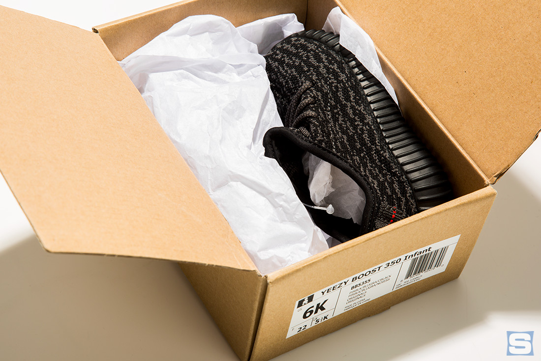 adidas-baby-yeezy-350-pirate-black-04