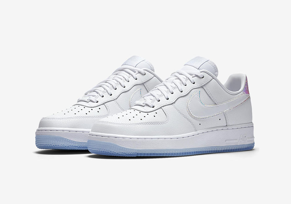 nike-wmns-air-force-1-iridescent-2