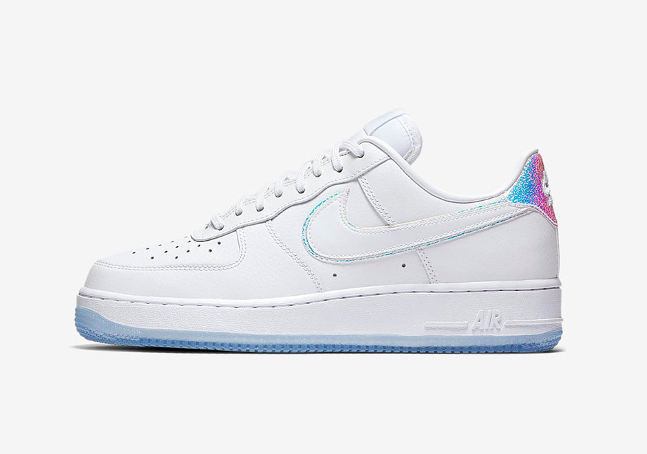 nike-wmns-air-force-1-iridescent-3