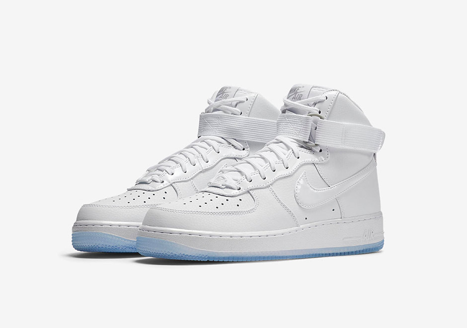 nike-wmns-air-force-1-iridescent-7