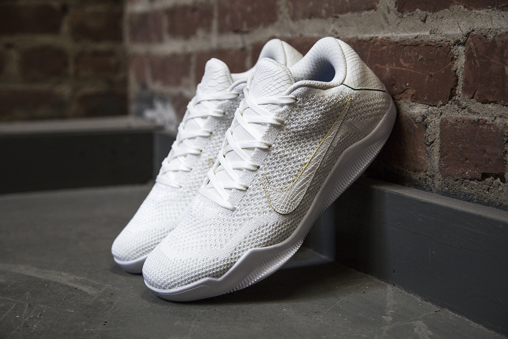 nikelab-kobe-xi-elite-low-brazil-01