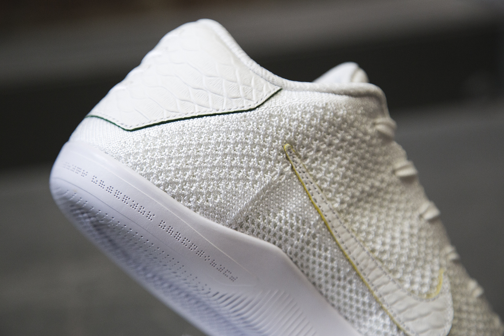 nikelab-kobe-xi-elite-low-brazil-03