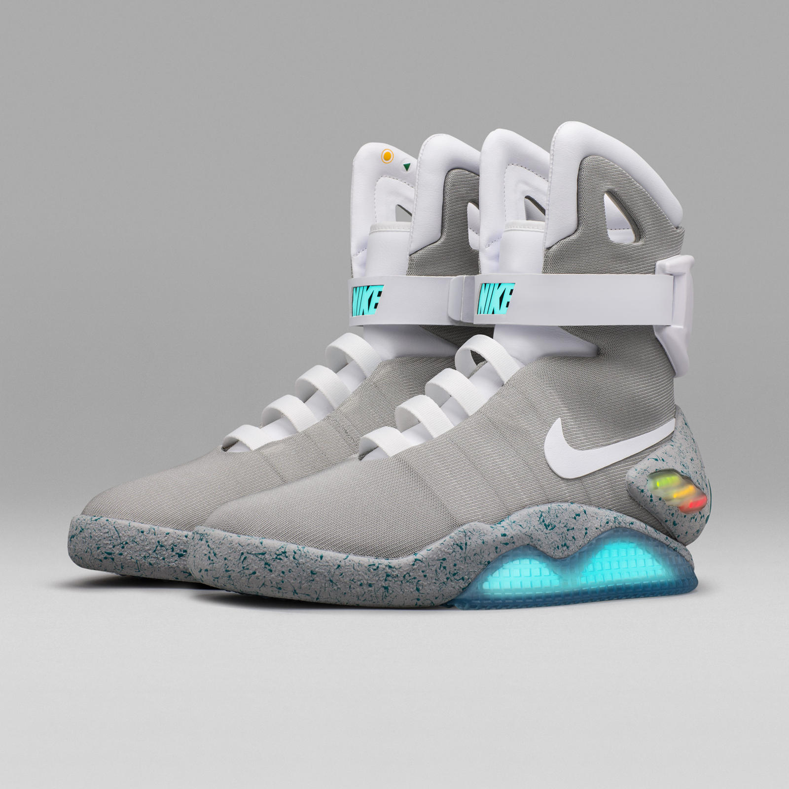 nike-mag-2016-official-02