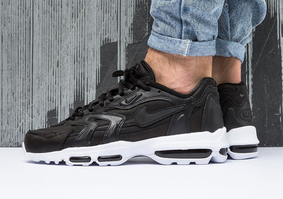 nike-air-max-96-ii-xx-black-white-01