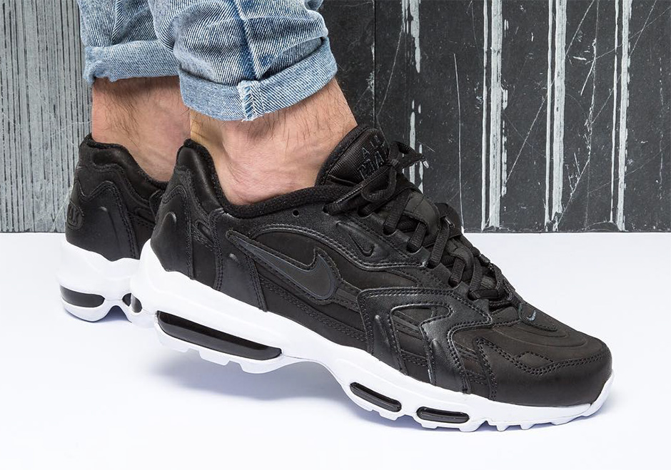 nike-air-max-96-ii-xx-black-white-02