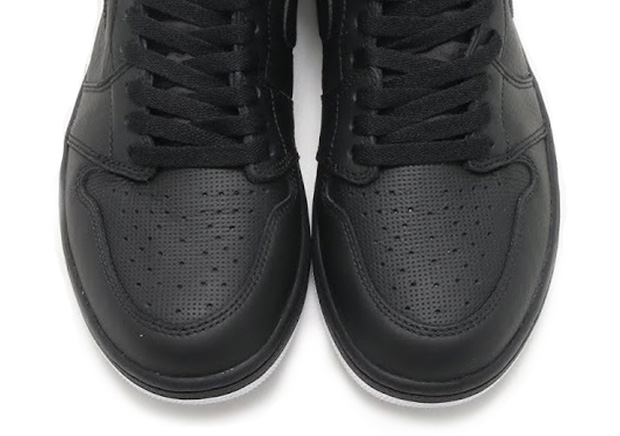 air-jordan-1-perforated-all-black-2017-colorway