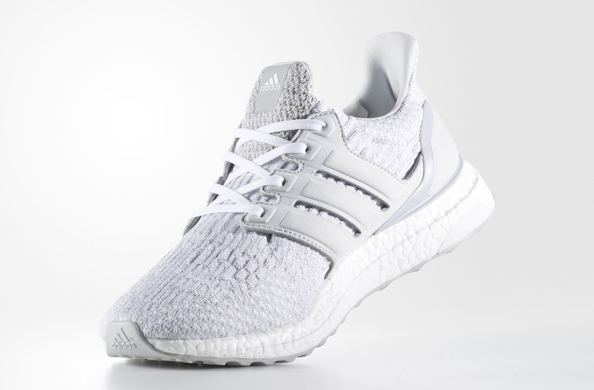 adidas X Reigning Champ - UltraBOOST 3.0  Triple White  Imagens ... 289a1f61ecce2