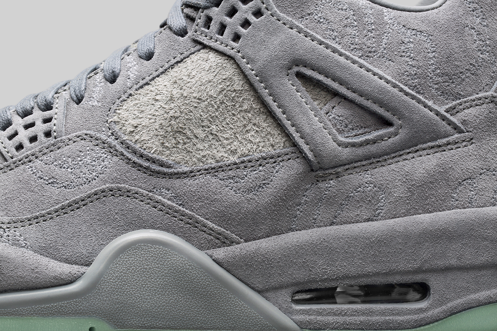 air-jordan-4-kaws-collection-09
