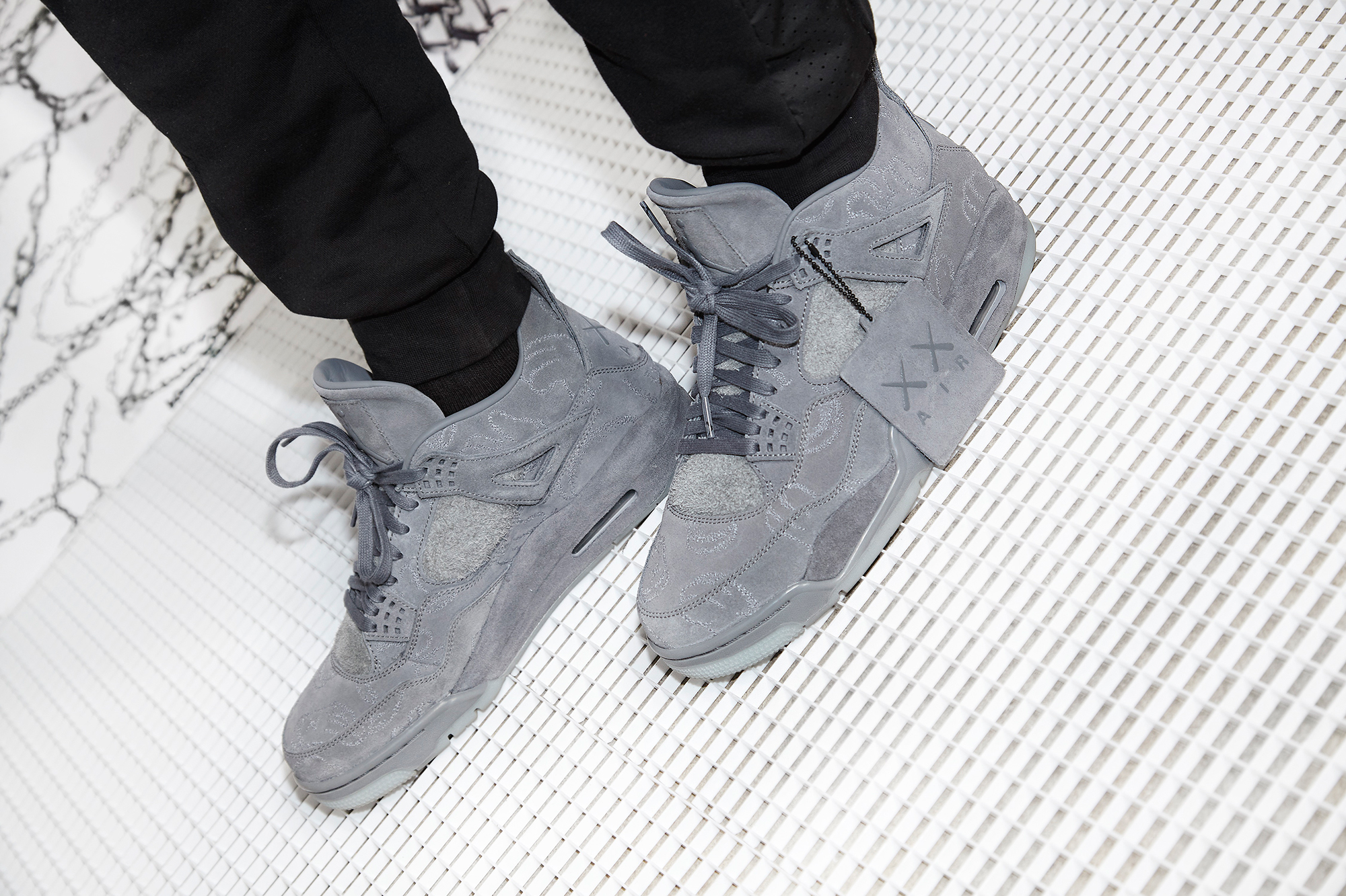 air-jordan-4-kaws-collection-12