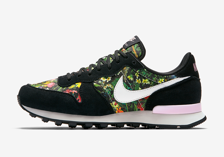 nike-wmns-internationalist-spring-garden-02