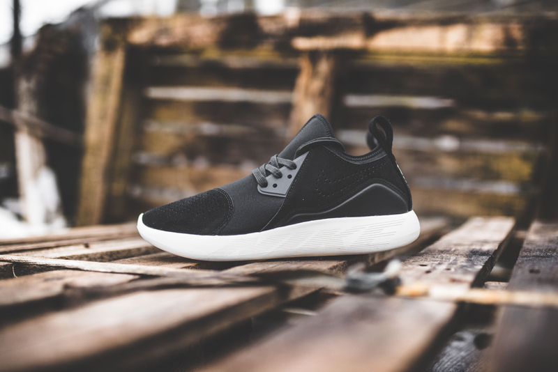 Nike-Lunarcharge-Premium-923281-014-301-and-331_9
