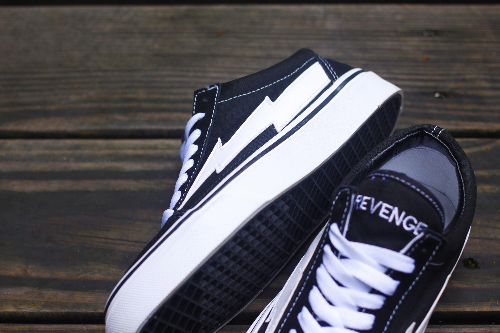 revenge-storm-ian-connor-vans-old-skool-04