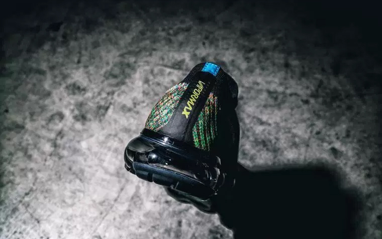 nike-air-vapormax-elastic-multicolor-03
