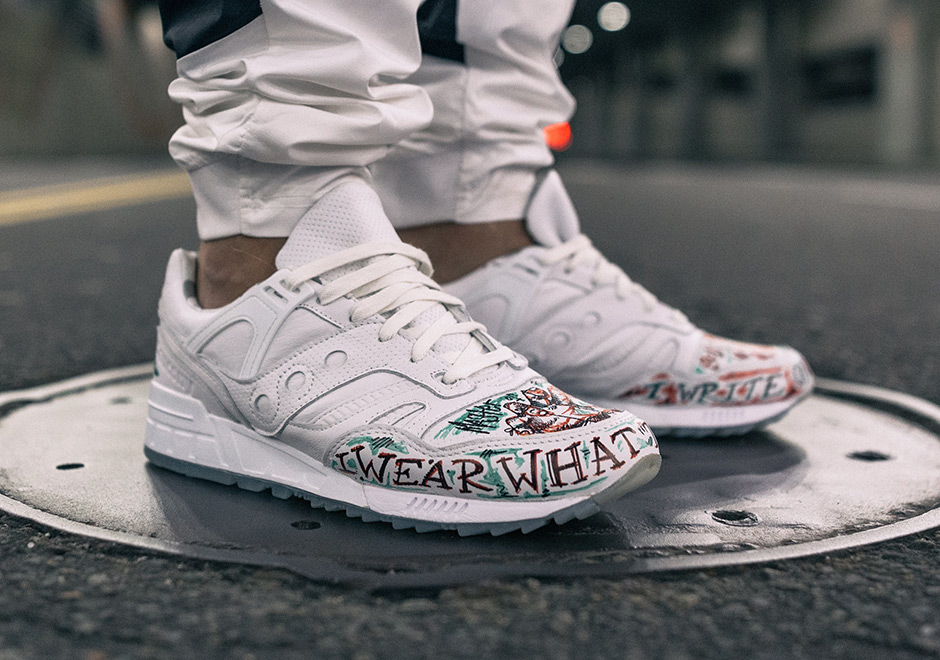 tblake-Saucony-grid-sd-triple-white-1