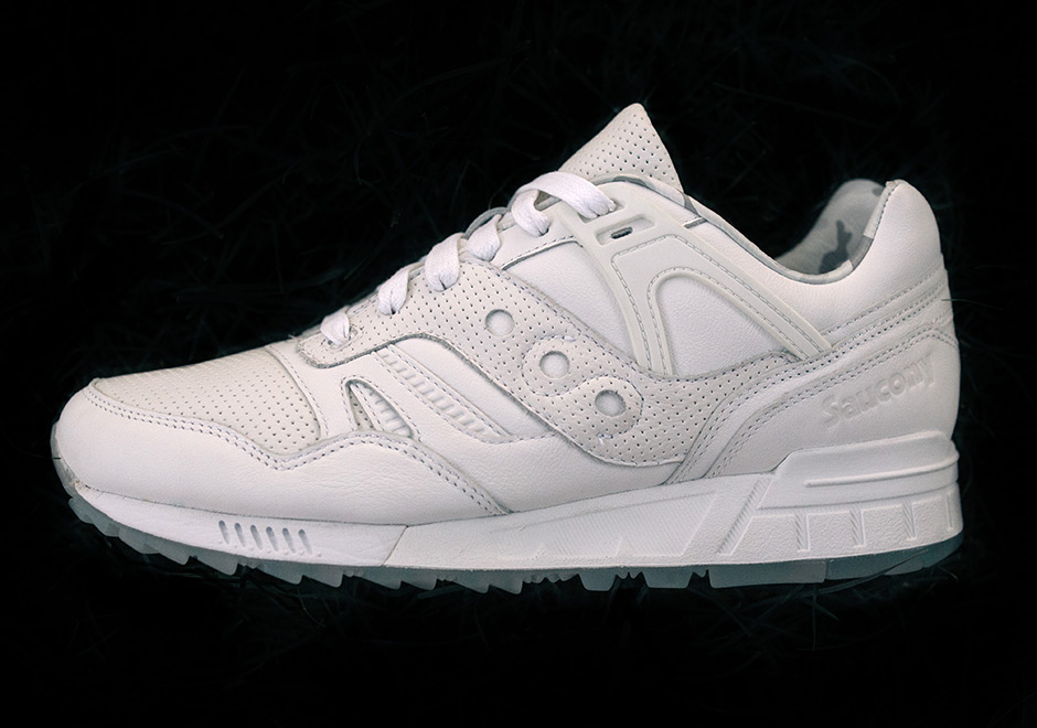 tblake-Saucony-grid-sd-triple-white-4