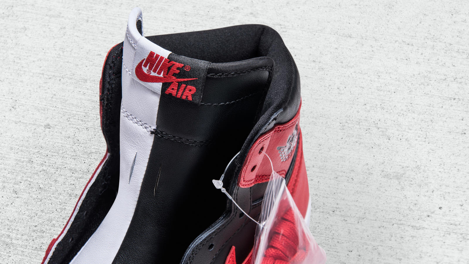 air-jordan-1-homage-to-home-sample-04
