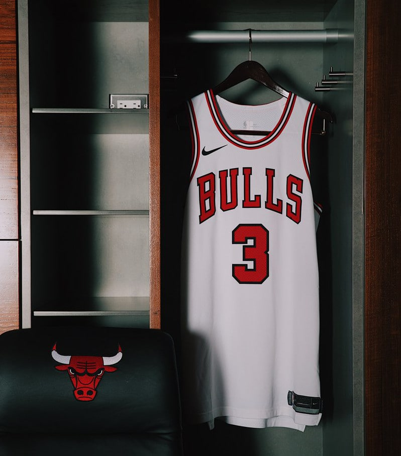 chicago-bulls-nike-jersey-away-front