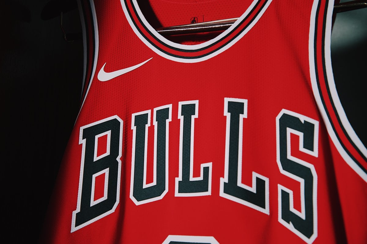 chicago-bulls-nike-jersey-home-front-2